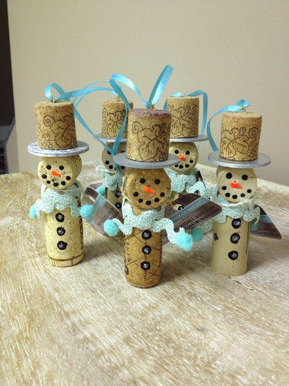 20 brilliant diy wine cork craft projects for christmas decoration 20 brilliant diy wine cork craft projects for solutioingenieria Image collections