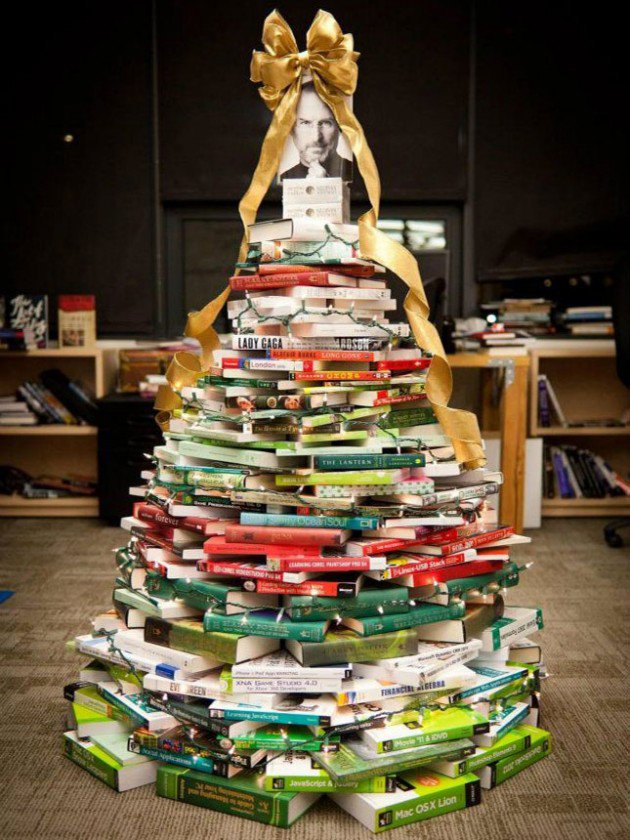 20-Unique-DIY-Christmas-Tree-Ideas-and-Projects-Anyone-Will-Love11.jpg