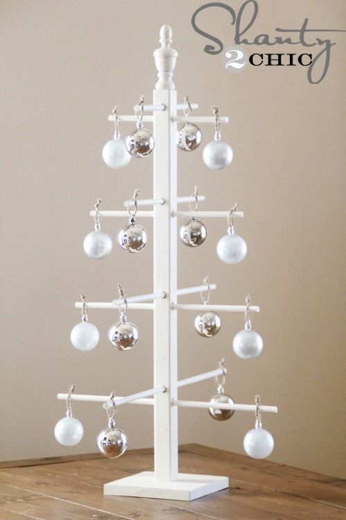 20-Unique-DIY-Christmas-Tree-Ideas-and-Projects-Anyone-Will-Love13.jpg
