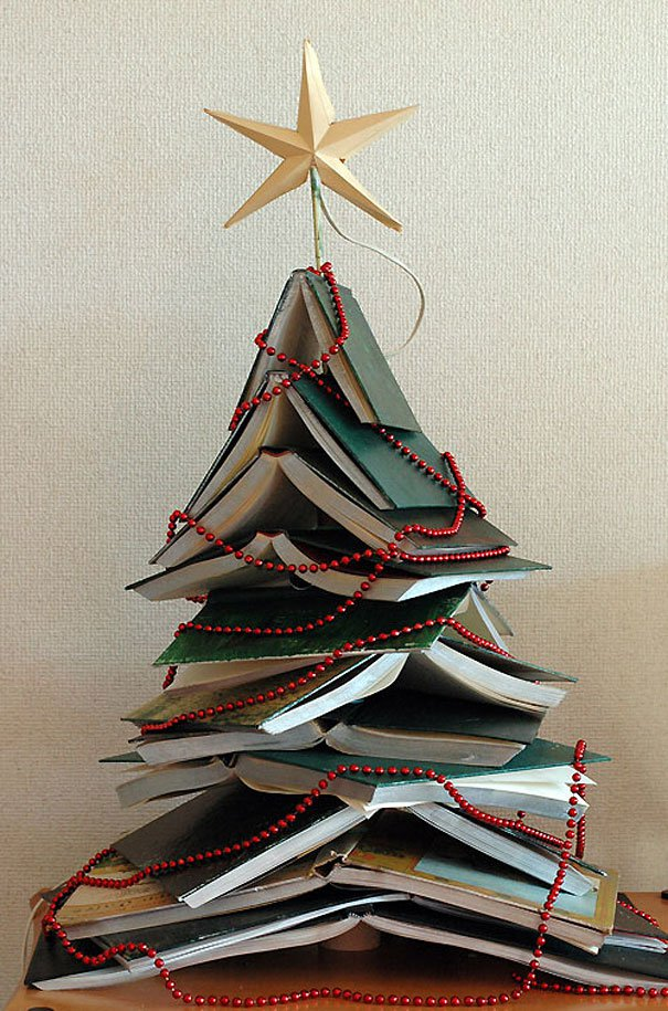 20-Unique-DIY-Christmas-Tree-Ideas-and-Projects-Anyone-Will-Love16.jpg
