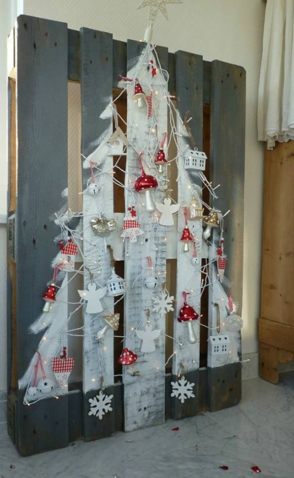 20-Unique-DIY-Christmas-Tree-Ideas-and-Projects-Anyone-Will-Love17.jpg