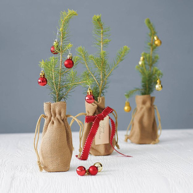 20-Unique-DIY-Christmas-Tree-Ideas-and-Projects-Anyone-Will-Love20.jpg
