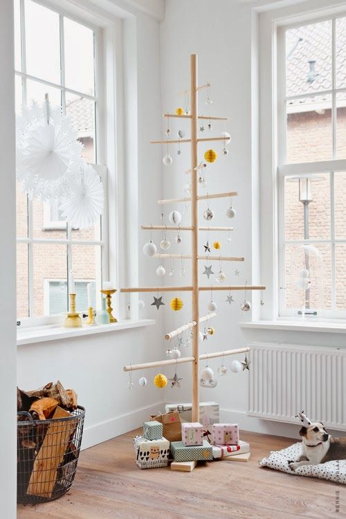 20-Unique-DIY-Christmas-Tree-Ideas-and-Projects-Anyone-Will-Love3.jpg