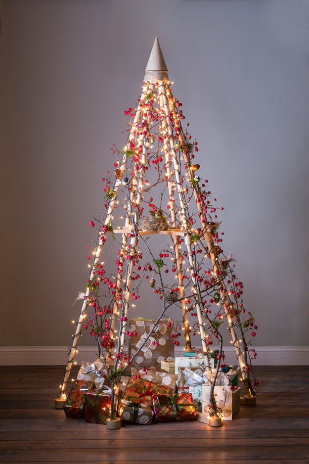 20-Unique-DIY-Christmas-Tree-Ideas-and-Projects-Anyone-Will-Love5.jpg