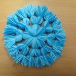 Christmas Craft: Yarn Thread Snowflake DIY Tutorial - No Crochet